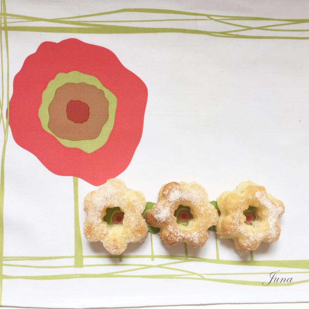 3 flores hojaldre azucar