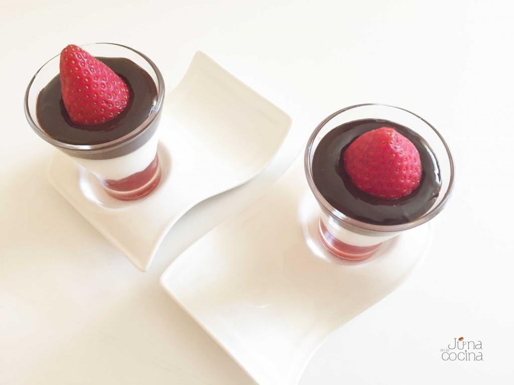 Yogur griego, chocolate y mermelada| junaenlacocina.com