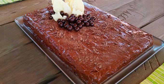 Tarta de almendra con crema de nutella