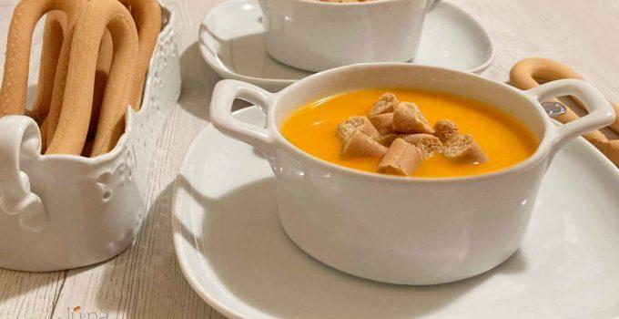 Crema de zanahoria con rosquillas