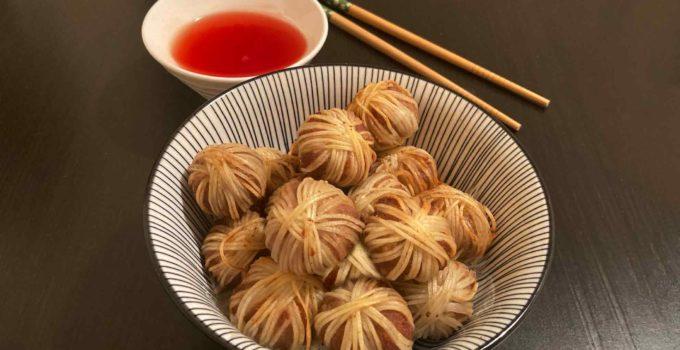 Bolitas de carne envueltas con noodles – Mu Sarong